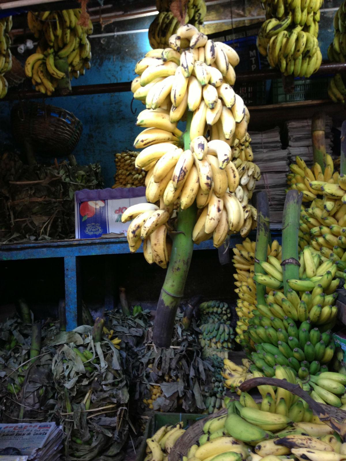 market banana img