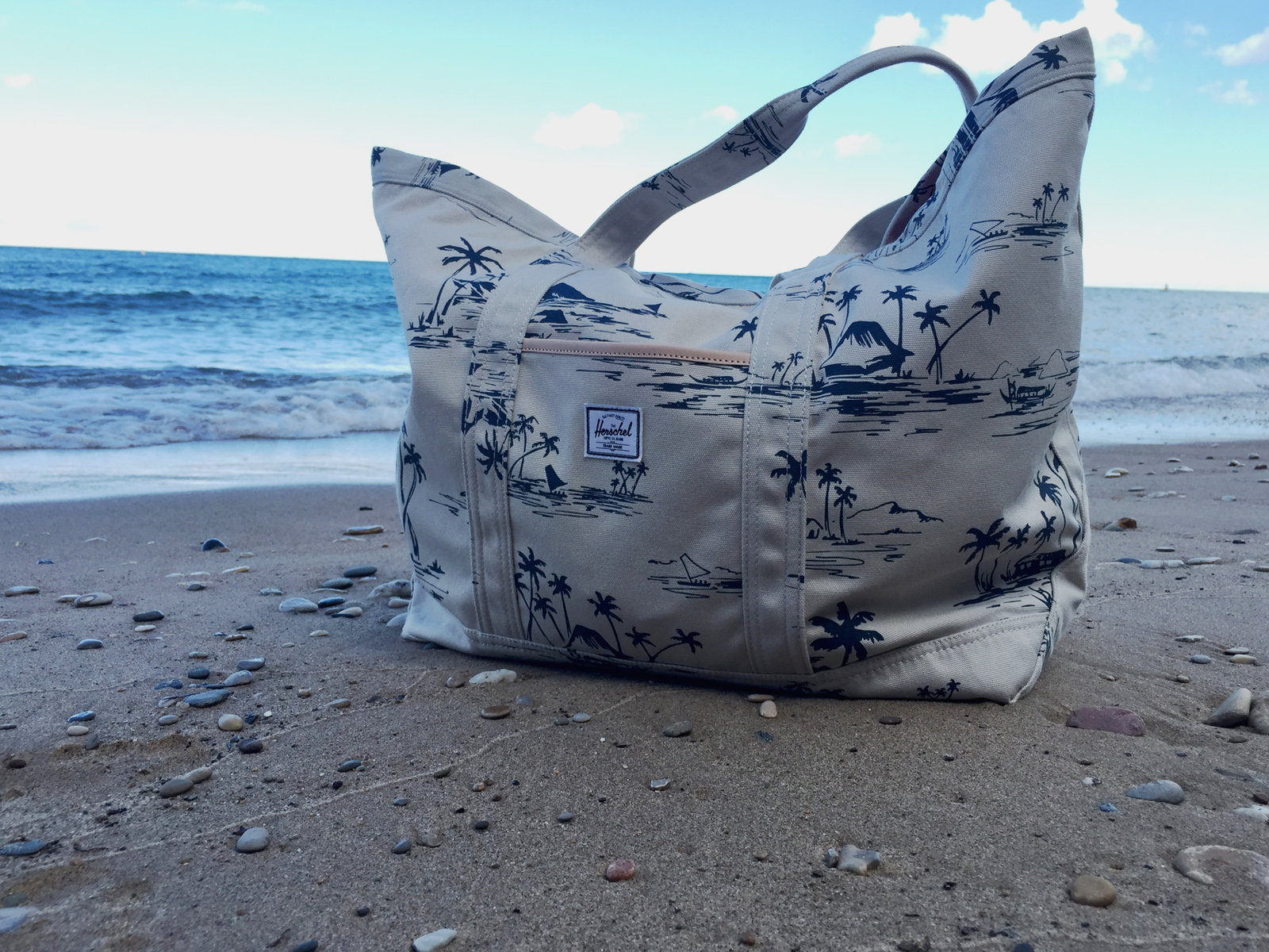Herschel Supply Co. Lawson Sun Up Beach Tote